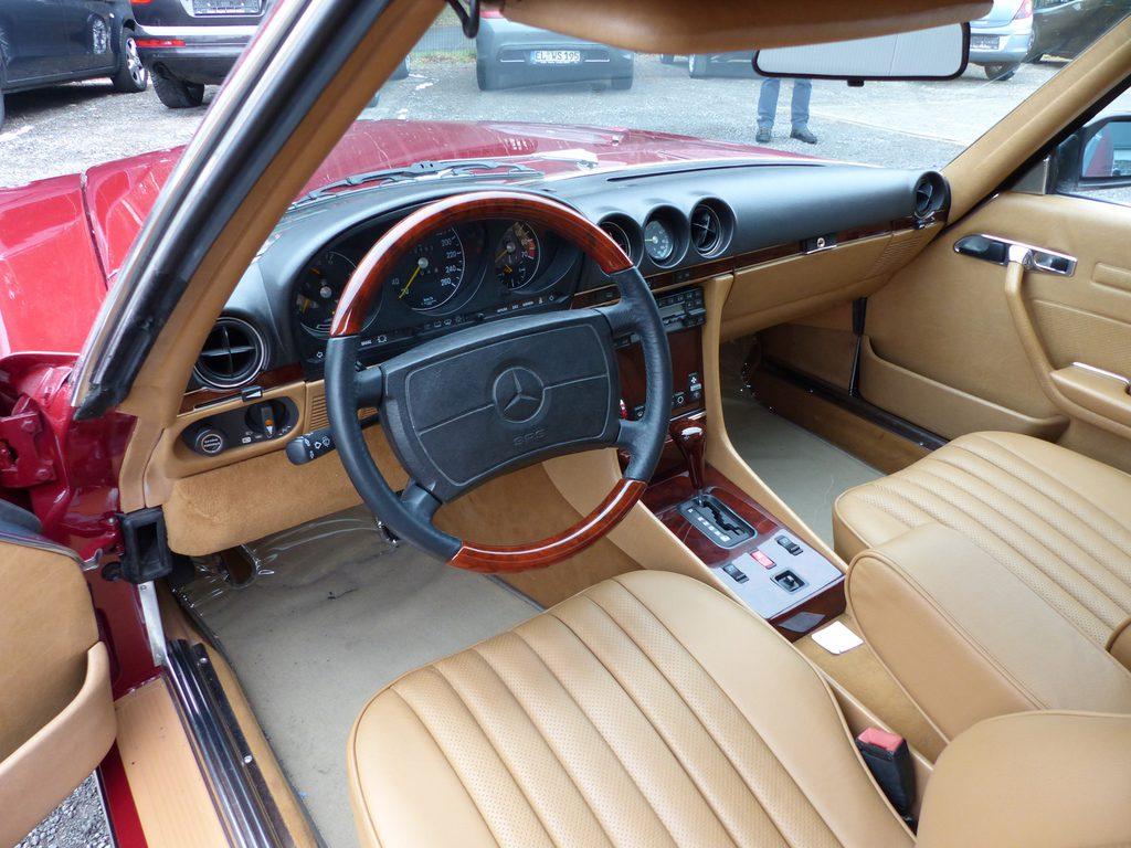 Oldtimer Mercedes Benz SL 560 W107